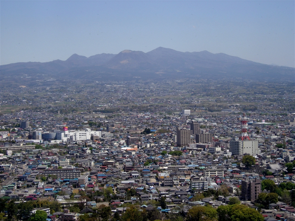 『前橋市北部と赤城山』 京都 連福草さんのクチ...